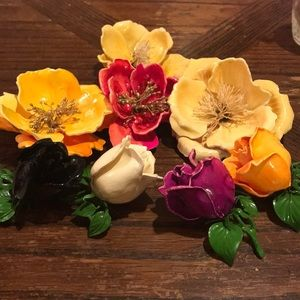 Lot of eight 1940's colorful rose brooches